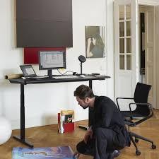 H Enverstellbarer Schreibtisch Tyde Höhenverstellbarer Schreibtisch 180x90cm Vitra