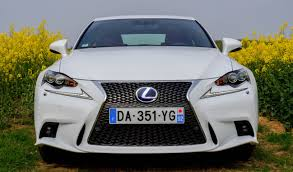 lexus is300h avis essai lexus is300h f sport une hybride mais sportive autoday
