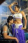 WARMUPINDIA: jagapathi babu enjoying priyamani in telugu movie