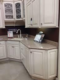 plaza maple cabinet with kona beige silestone countertop
