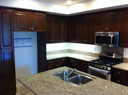 what color kitchen cabinets go with hardwood floors what color floor with cabinets hardwood floor