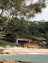 clinton murray u0027s gunyah beach house in bundeena australia