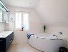 badezimmer mit eckbadewanne eckbadewanne kleines bad badewanne kleines bad im badezimmer