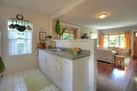 Galley Kitchen With Breakfast Bar Half Wall Kitchen Designs Best 25 Half Wall Kitchen Ideas On