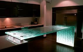 plan de travail cuisine verre comptoir de cuisine en verre droit lumineux original