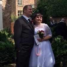 Newlywed Couple Claims Dog Ate Their Wedding Cake Ny Daily News