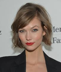 karlie kloss hair color karlie kloss cried when she got her new haircut can you relate