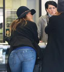 jessica alba visits tattoo and body piercing shop after morning