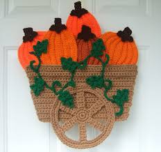 acorn and leaf garland and mini pumpkins free crochet patterns