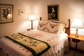 Make Your Bed Like A Hotel Guest Room Essentials U2013 Making Your Space Welcoming Enough My