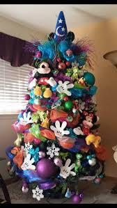 Disney Frozen Christmas Window Decorations by Best 25 Disney Christmas Tree Decorations Ideas On Pinterest