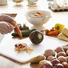 en cuisine fruits et légumes ce qu on jette et qu on devrait pourtant tester