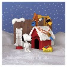 brown christmas snoopy dog house a brown christmas snoopy s doghouse playset