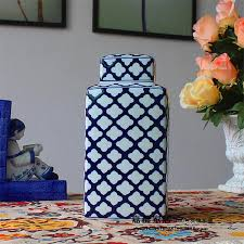 Chinese Hand Painted Porcelain Vases Modern Chinese Jingdezhen Ceramic Hand Painted Blue And White