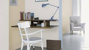 couleur bureau aérez un bureau neutre d une touche de couleur bleu peinture et