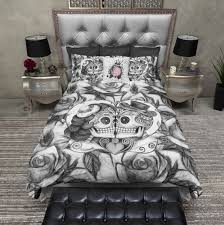 White Rose Furniture Lightweight Black And White Rose Kissing Sugar Skull Duvet Cover