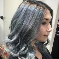 grey hair trend 20 glamorous hairstyles for women 2018 page 3 of 4