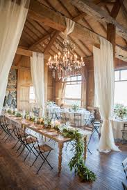 Pinterest Wedding Decorations by Best 25 Lodge Wedding Ideas On Pinterest Barn Wedding