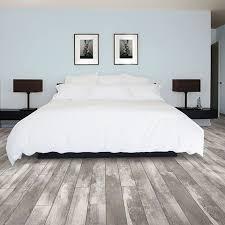Bedroom Flooring Ideas by The 25 Best Grey Laminate Flooring Ideas On Pinterest Flooring