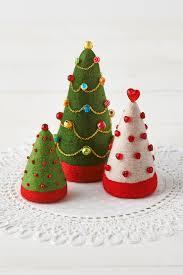 how to make needlefelt tree decorations