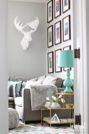 Home Decorating Magazines by Ideas For Decorating Your Walls Inspired By Charm