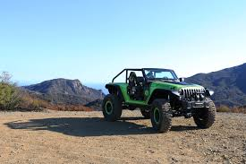 jeep hellcat 6x6 behind the wheel of the 707 hp jeep trailcat concept