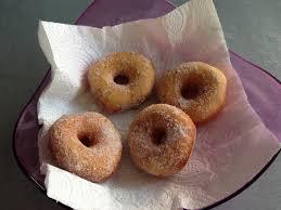 donuts hervé cuisine les donuts ou beignets à fourrer perrine cuisine