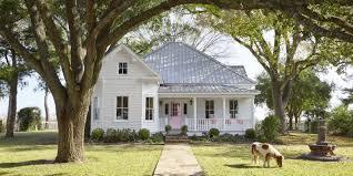 Small Farmhouse House Plans House Plan Old Farmhouse Style Distinctive Landscape 1425334600