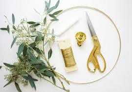 make a eucalyptus candle wreath