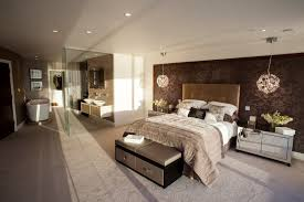 master bedroom with ensuite and walk in wardrobe does have to