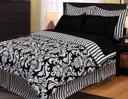 Black And White Queen Bed Set Mesmerizing 30 Black White And Red Bed Sets Design Ideas Of Brown