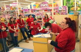 toys r us hiring 45 000 this season more than doubling