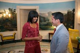 does michelle obama wear hair pieces michelle obama s new do is absolutely bangin ny daily news