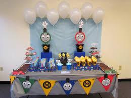 Batman Table Decorations Best 25 Train Party Decorations Ideas On Pinterest Thomas