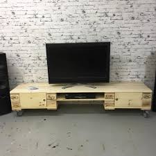 How To Build Wood Tv Stands An Easy Pallet Tv Stand