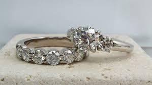 modern engagement rings platinum modern round brilliant three stone diamond engagement