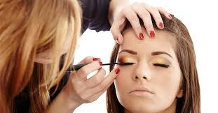 makeup artist makeup 8 places makeup artists find fulfilling work avenue five institute