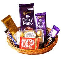 chocolate baskets s day chocolates gifts to ahmedabad s day