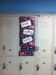 Ideas For Decorating Lockers Friends Birthday Locker Decorations Birthdays Pinterest