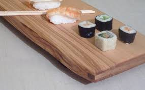 plateau bois pour bureau plateau pour le service de sushis en bois massif