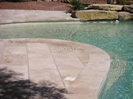 plage de piscine quel revêtement de sol pour une plage de piscine carrelage et