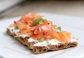 cuisiner le saumon frais tartines du dimanche soir au fromage frais et au saumon fumé