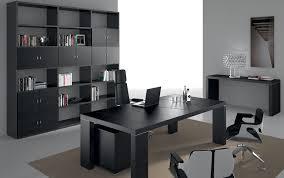 fabricant mobilier de bureau italien 5 bureaux modernes aux finitions noires amm mobilier