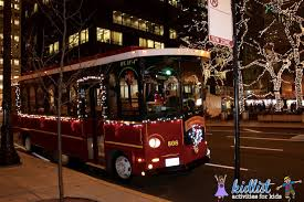 holiday lights trolley chicago chicago trolley s holiday lights tour kidlist activities for kids
