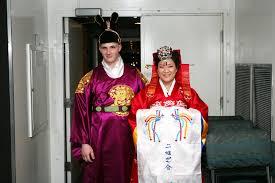 Nunta Traditionala in Coreea Images?q=tbn:ANd9GcSZ4l7O1cobf9fm5TAvl1XO89kIr4imfvkvnCy1NYxzSFJqyR3viQ
