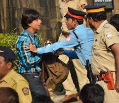 Shahrukh Khan House Omg Shah Rukh Khan Barred From Entering Mannat India Com