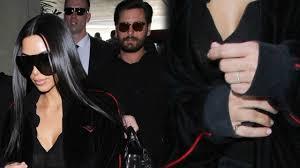 Kim Kardashian Wedding Ring by Kim Kardashian Flaunts New Wedding Ring U0026 Fans Accuse Her Of
