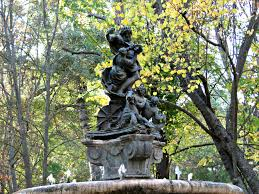 Tree Faces Garden Art A Royal Palace And Gardens In A Royal City Aranjuez Spain