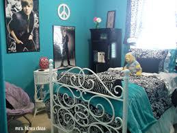 justin bieber bedroom set teens bedroom girl ideas painting purple lounge chair blue zebra