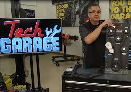 technology garage tech garage educates and entertains diy crowd advance auto parts